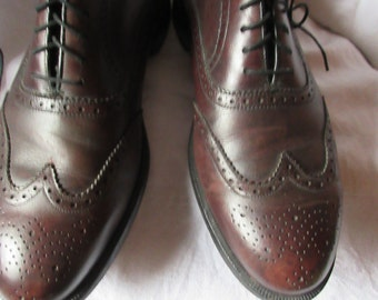 vintage Florsheim Imperial oxfords, mens spectator styling, dark brown, all leather  classic, executive wear, madmen look, size 10.5