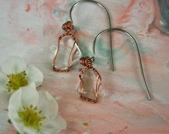 simple quartz and copper earrings