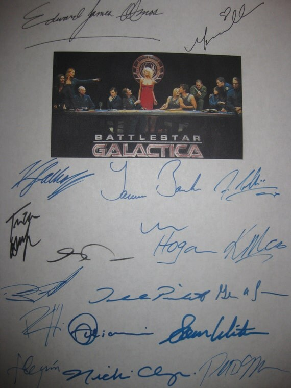 Battlestar Galactica Signed Pilot TV Script Screenplay X18 Autographs Edward James Olmos Mary McDonnell Katee Sackhoff Jamie Bamber Moore