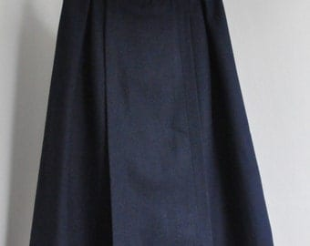 Vintage navy melange pleated midi skirt from wool mix. 1970s. Size 36/38, S/M.