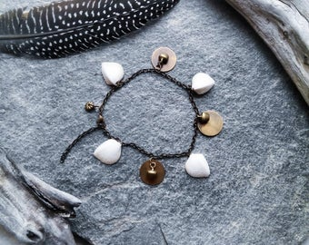"""Anklet bells and white shells bronze """"Laom"""" Bohemian, ethnic, hippie trend"""