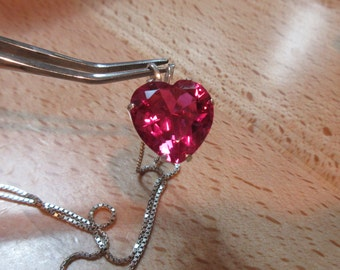 Gorgeous! Perfect for Valentine's Day.  large Lab Pink Sapphire and Solid Sterling Silver Necklace