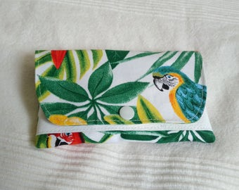 Tobacco pouch pattern green tropical Parrot