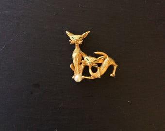 Siamese Cat Brooch- Vintage Figural Brooch- Vintage Cat Brooch- Goldtone Feline Brooch- Gift for Cat Lovers
