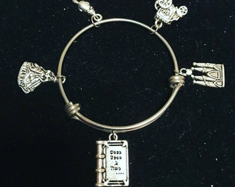 Fairytale/Once Upon a Time Charm Bracelet! -1