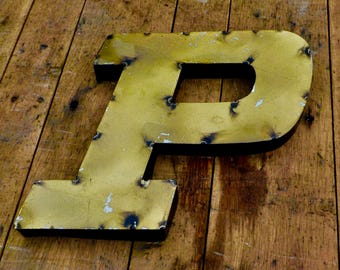 "Small Purdue ""P"" Sign"