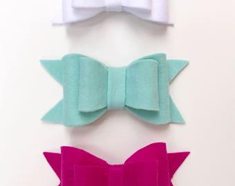 Set of 3 shiny bows