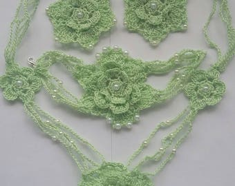 Beautiful green crochet jewelery set