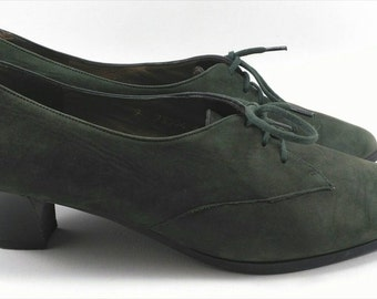 Vintage green lace up heel derby shoes