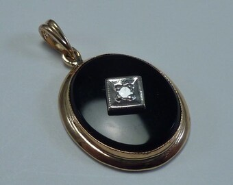 14K Yellow Gold Onyx and Diamond Pendant