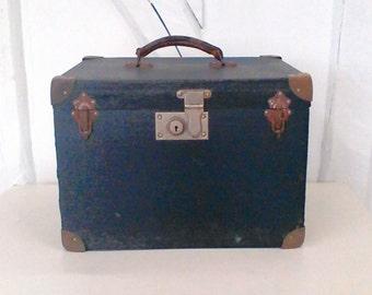 Vintage 50s wooden storage box.