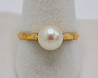 Ancient Pearl Cultured Ring in 18k Gold antique ring Pearl cultured 18k gold