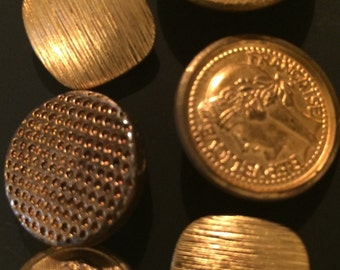 Lot of Vintage Brass Buttons (7)