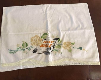 "Standard pillow case embroidered ""Holy Bible"""