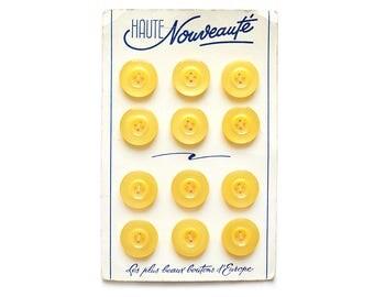"""1960 Authentic """"Haute Nouveauté"""" Lemon Yellow Buttons on Card"""