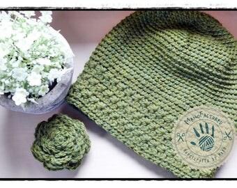 Little Amsterdam crochet cap and brooch set