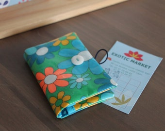 Card holders in coated, turquoise flowers vintage fabric