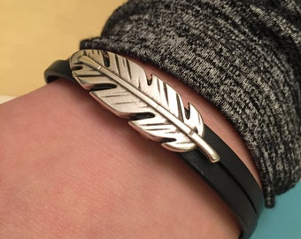 Gorgeous Feather Sterling Silver Bracelet with Magnetic Clasp