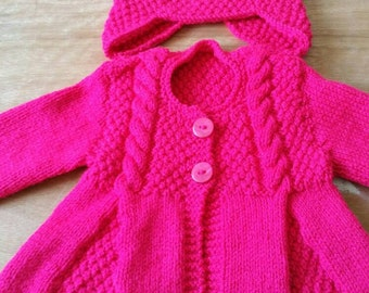 Gorgeous hand knitted baby Cardigan and hat 0-6 months