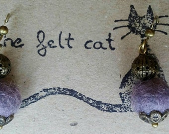 Green or violet wool and bronze earrings