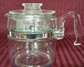 Vintage stove top pyrex percolater coffee maker 6 cup. very good vintage condition.