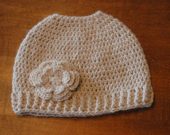 Adorable Messy Bun / Ponytail Beanie with detachable flower clip - Alpaca/Bamboo Yarn (Off-White Only)