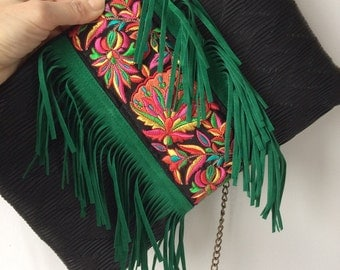 NEW! Handbag in black leather, fringed and Indian braid