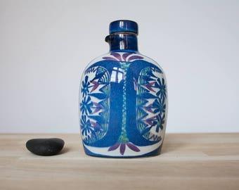 Aluminia/Tenera - Bottle with Cork Stopper - Fajance - Designed by Marianne Johnson - 153 2918 - 1960s - Danish Midcentury