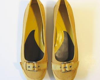 Aerosoles Yellow Leather Rounded Toe Slip-On Flats (9.5 M)