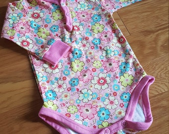 Bodysuit babygirl size 68/4-6 mons pink flowers