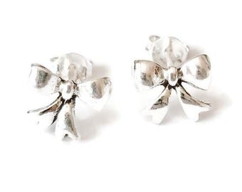 Sterling Silver Bow Stud Earrings/Highly polished/Gifts/wedding/bridesmaid