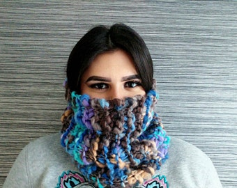 Handmade chuncky knitted cowl | Knitted infinity scarf | Boho accesoires | Purple blue brown cowl | Winter fashion | Merino wool | Valentine