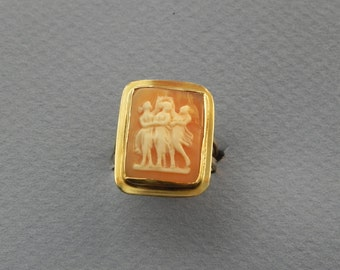 18K 3 graces cameo ring size 8