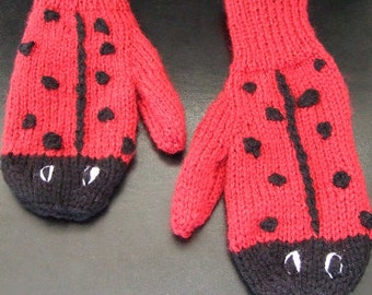 Hand knitted Girls Novelty Ladybug Red Ladybird Mittens Gloves To fit approx 6-8 year old. Christmas Gift. Girls warm Winter Mittens.