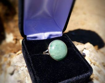 Green and silver jadeite jade ring size 6