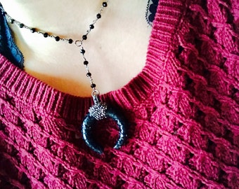 black + silver horn y necklace