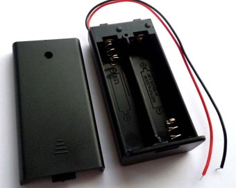 2 AA 3v Enclosed Battery Box with Slide Switch and Lid - H103