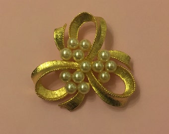 Vintage Ribbon Brooch With Faux Pearls