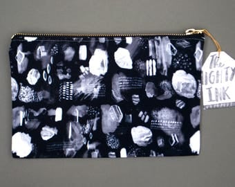 Black Crystal Pattern Pouch