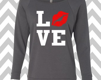 Love Lips Kiss Valentine's Day Sweatshirt Oversized 3/4 Sleeve Sweatshirt Off the shoulder Lipstick Sweater Happy Valentine's Day Tee Love