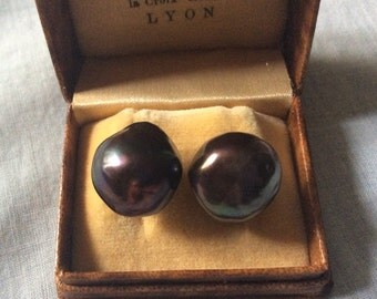 Rare-Vintage Design - HUGE BLACK Mabe Pearl Earrings - Vermeil, gold sterling silver - Genuine black pearl 14 mm!