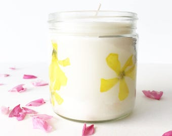 Pressed Flower Candle - Buttercup // unscented soy wax candle // natural floral jar candles // gifts for her // natural home decor