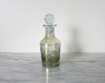 Vintage Makeup Vanity Decor, Perfume Bottle, Czech-Style Cut Glass, Vanity Modern Decors, Unicorn Colors, Green Crystal Home Decor Boho Chic
