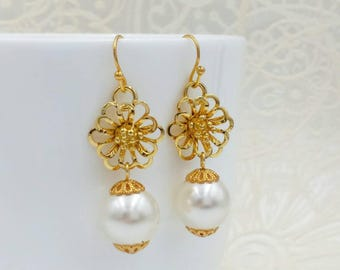 Cream White Pearl Earrings Gold Flower Earrings Cream Drop Earrings Cream Wedding Earrings Bridal Jewelry Bridesmaid Mom Gift for Her
