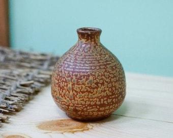 Japanese ceramic vase in the style of Irabo