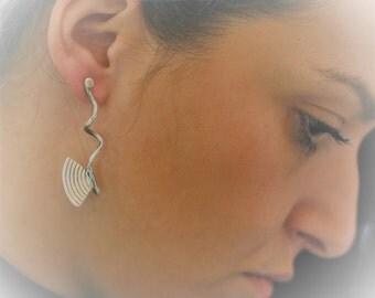 Elegant Earrings for Women, Long Earrings in Silver or Gold finish, Modern Butterfly Wings Earrings for Her, Special Gift ideas for Mom