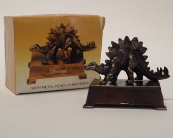 Vintage Dinosaur Cast Metal Pencil Sharpener/Stegasaurus dinosaur/Original Box/Made in Hong Kong/marked 1984