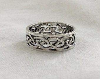 Handcast 925 Sterling Silver Irish Celtic Filigree Infinity Knot Band Ring