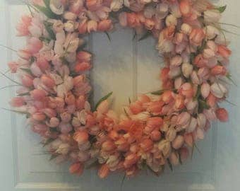 Tulip wreath / spring wreath / summer wreath / front door wreath / holiday wreath / Easter wreath / door wreath