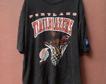 Vintage 90s Black Portland Trailblazers NBA By Starter XL USA T Shirt/Chicago Bulls/New York/Hip Hop/Lakers/Bulls/Rodman/Kobe/Jordan